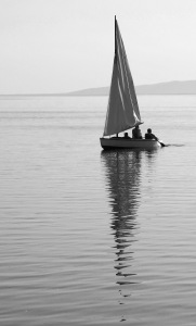 boat-and-reflection-2-1450160
