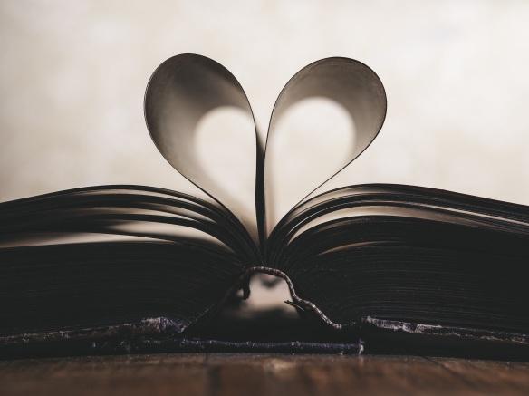 paper-romance-symbol-valentine-159526